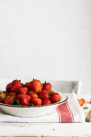 Load image into Gallery viewer, Strawberry Balsamic Vinegar
