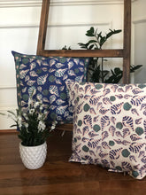 Load image into Gallery viewer, Indigo Shell Cushion( Set of 2)