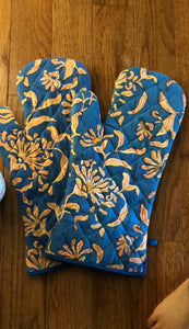 Blue Lilies Oven Gloves