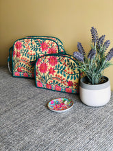 Load image into Gallery viewer, Paisley Floral Vanity bag (Set of -2)