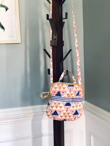 Crossbody in Multi Triangles