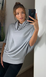 Carica l'immagine nel visualizzatore di Gallery, Forte Cowl Neck Oversize Pleat Detail Light Grey Knit