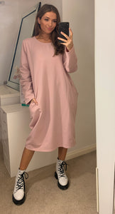 Oversized Sweatshirt Dress In Pink With Pockets