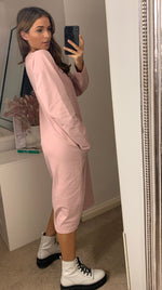 Load image into Gallery viewer, Oversized Sweatshirt Dress In Pink With Pockets