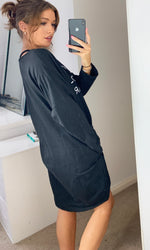 Carica l'immagine nel visualizzatore di Gallery, Nothing To Wear Sweatshirt Loungewear Dress in Black with Slogan