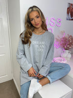 Cargar imagen en el visor de la galería, Dream Plan Do Slogan Sweat Tunic In Grey