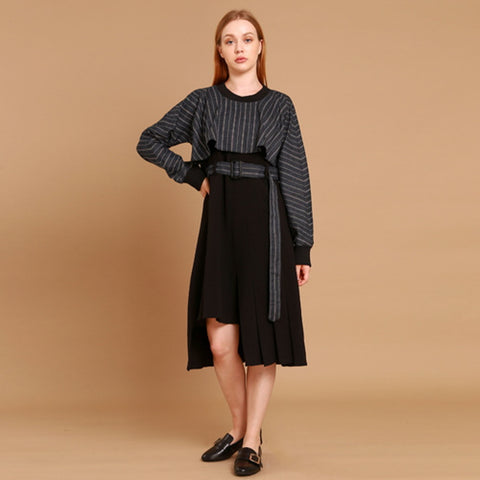 caplet sleeve unbalance dress