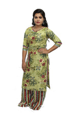 Load image into Gallery viewer, Green Boat Neck Rayon Kurta And Palazzo Set