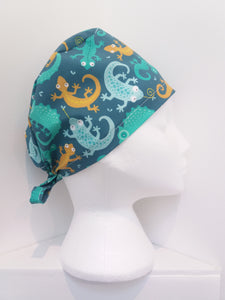 Chameleons and lizards Scrub Hat