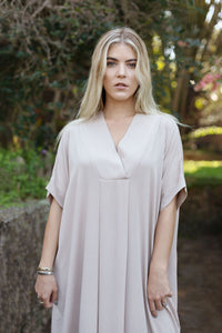 The-Easy-Chic Dress Edit                                           (Nude)