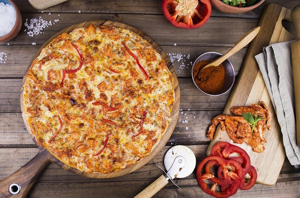 Load image into Gallery viewer, Tandoori Chicken Pizza 500g
