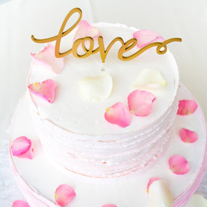 Beautiful, Natural Cake Decoration