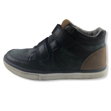 Mossimo Hi top sneakers - Size 31