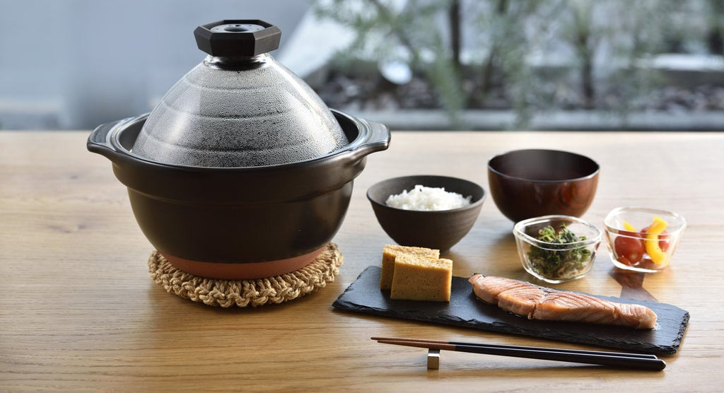 Why not enjoy your daily cooking with HARIO's rice cooker with glass lid?