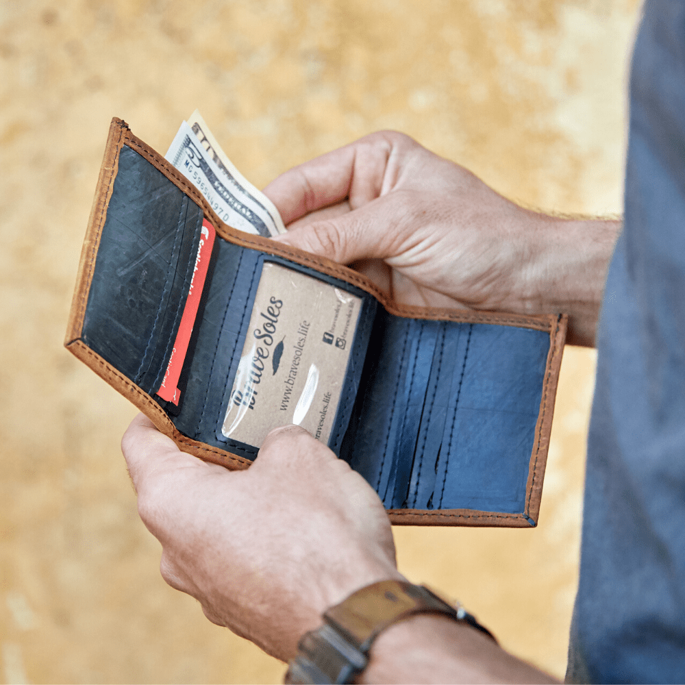 The Edwin Men's Trifold Leather Wallet