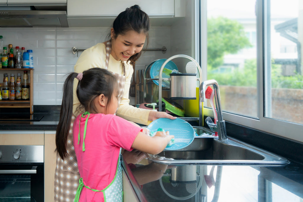 Six Ways to Keep Up with Cleaning the House for Busy Families