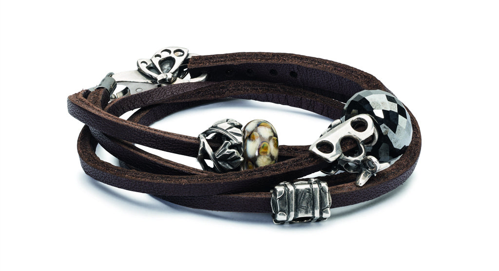 ​​The 2018 Trollbeads Autumn Collection -- ADVENTURE BEGINS -- is now available at Suzie Q Studio in Calgary. It offers a new collection of beads, spacers and locks, plus new this year...hair accessories and three spooky beads just in time for Halloween. Great for men and women! Celebrate the adventures of your life!