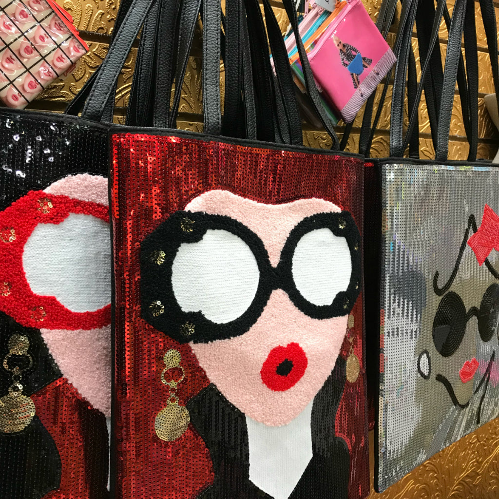 Just arrived at Suzie Q Studio at the Crossroads Market in Calgary... purses, tote bags, leggings, shawls, art journals and more! Hope you'll drop by Suzie Q's this weekend and take a look!