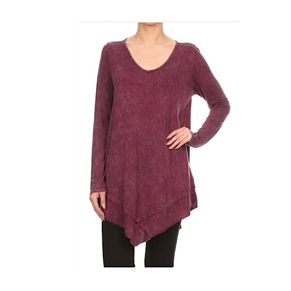 Mineral washed round V neck top with raw-edged hem.