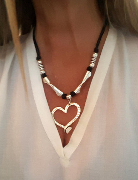 Asymmetric women leather heart pendant necklace