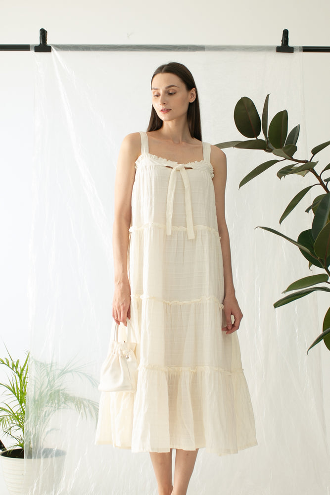 Jisoo Dress in Ivory PO READY 20th May