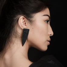 Load image into Gallery viewer, Cleta Dagger Earring