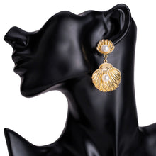 Load image into Gallery viewer, Gold Seashell Earrings