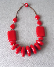 Load image into Gallery viewer, Red Resin Chunky Bead Necklace