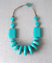 Load image into Gallery viewer, Turquoise Resin Chunky Bead Necklace