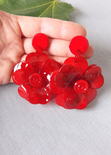 Load image into Gallery viewer, Red Floral Resin Earrings