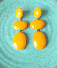 Load image into Gallery viewer, Mustard Three Tier Resin Earrings