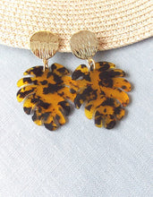 Load image into Gallery viewer, Tortoise Shell Monstera Leaf Earrings