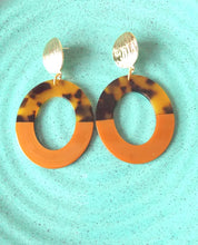 Load image into Gallery viewer, Tortoise Shell Oval Drop Earrings