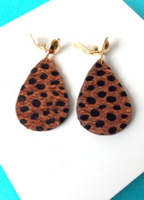 Load image into Gallery viewer, Brown Leopard Print  Clip On Earrings