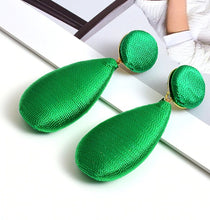 Load image into Gallery viewer, Emerald Green Woven Drop Earrings