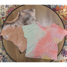 Load image into Gallery viewer, Tie Dye Crop Shirt
