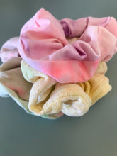 Load image into Gallery viewer, 3 PACK SCRUNCHIES ASSORTED