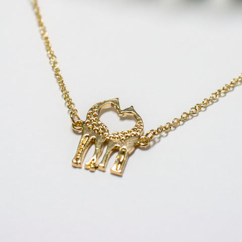Dainty Giraffe Necklace Gold