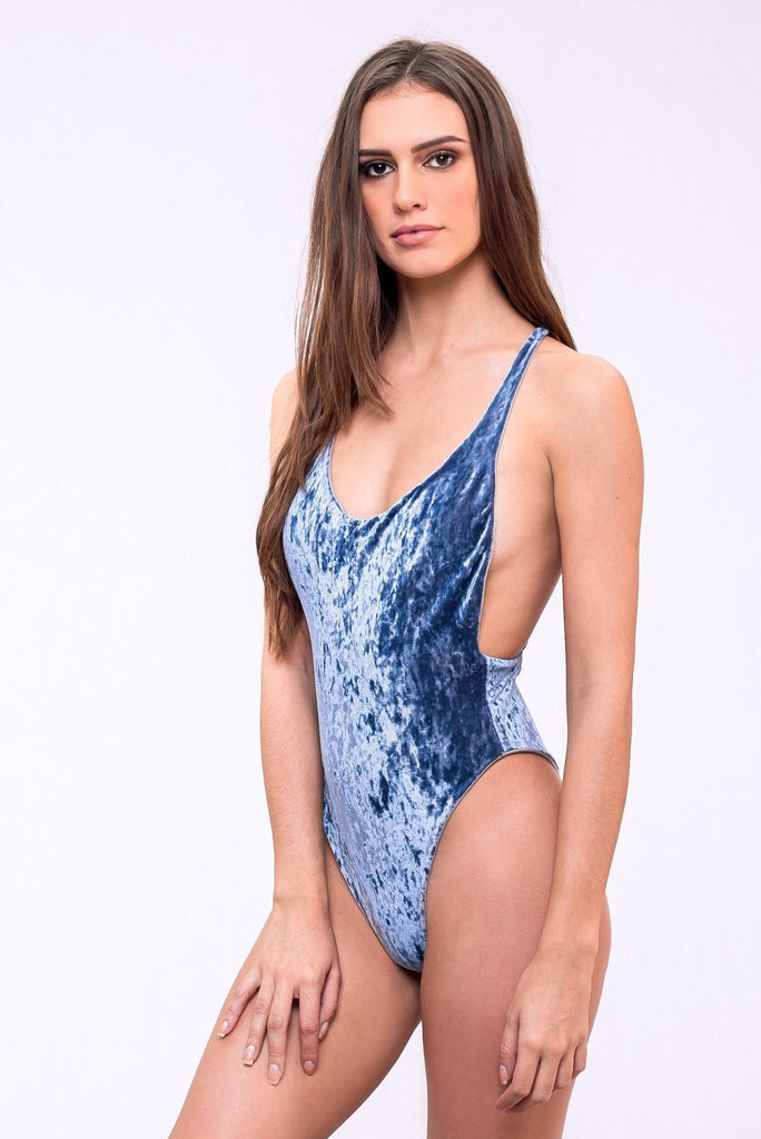 dbrie daxi one piece in moonstone