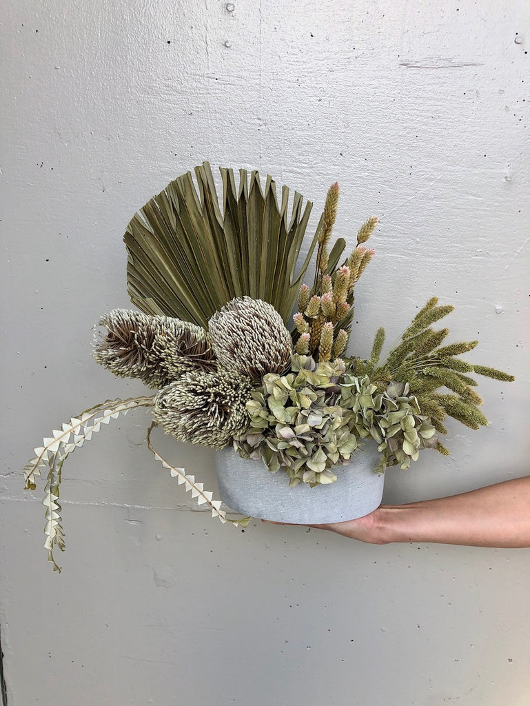Dried arrangement in pot - Option 11