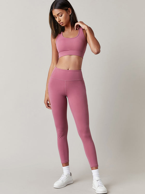 Basics Racer Back Peekaboo Sports Set - 𝐄𝐑𝐔𝐌𝐉𝐔𝐒