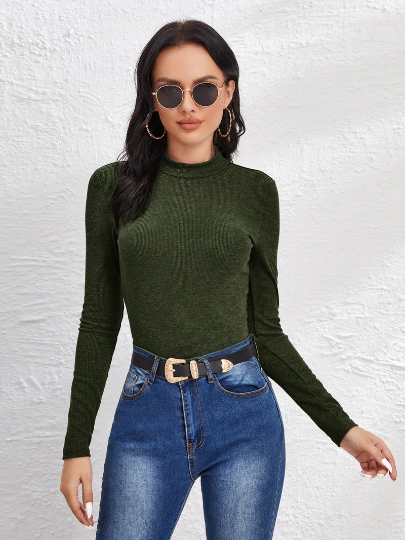 Mock Neck Solid Form Fitted Tee - 𝐄𝐑𝐔𝐌𝐉𝐔𝐒