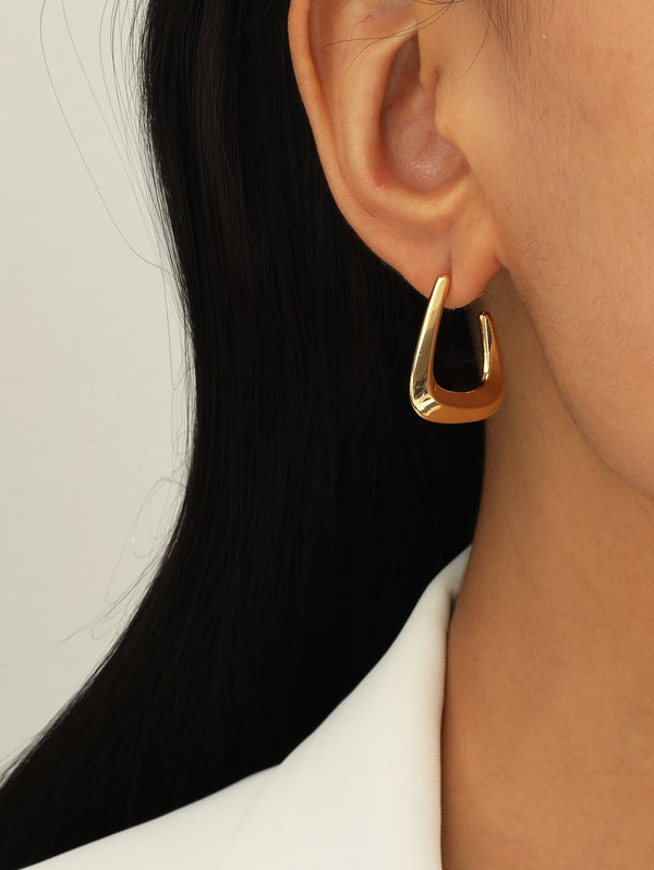 Minimalist Cuff Hoop Earrings - 𝐄𝐑𝐔𝐌𝐉𝐔𝐒