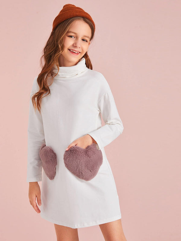 Girls Turtleneck Faux Fur Heart Pocket Dress - 𝐄𝐑𝐔𝐌𝐉𝐔𝐒