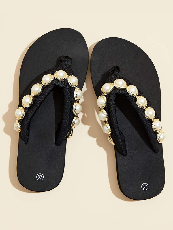 Faux Pearl Decor Flip Flops - 𝐄𝐑𝐔𝐌𝐉𝐔𝐒