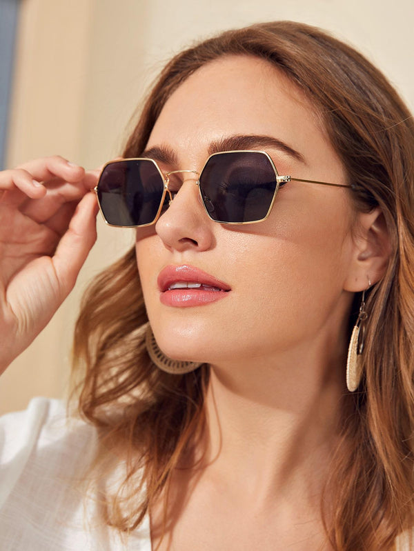 Hexagon Metal Frame Sunglasses - 𝐄𝐑𝐔𝐌𝐉𝐔𝐒