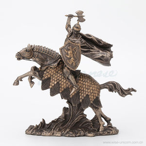 Art Decoration Crafts Statue knight in armor riding a horse with an ax in his right hand
