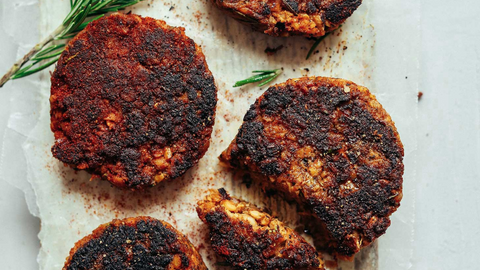 spicy tempeh breakfast sausage