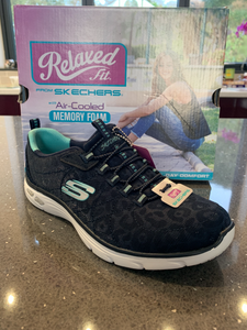 Ladies Skechers Empire D'Lux-SPOTTED *SPECIAL OFFER* WAS £50 SIZE UK 3,4,7