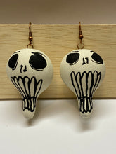 Load image into Gallery viewer, Skull gourd earrings